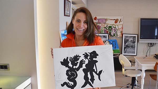 İkinci evi olarak gördüğü İstanbul'da sanatla iç içe yaşıyor
