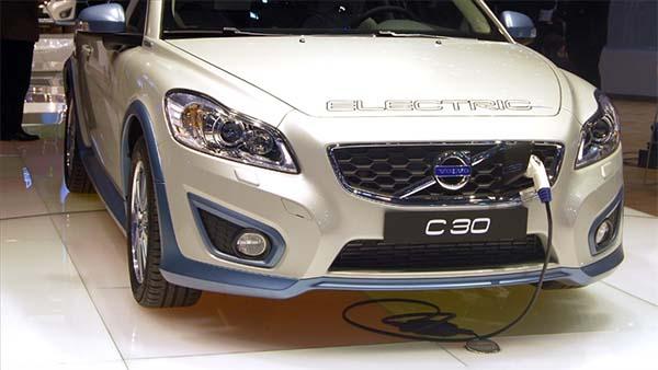 Volvo 2030 itibarıyla tamamen elektrikli araç üretme planı yapıyor