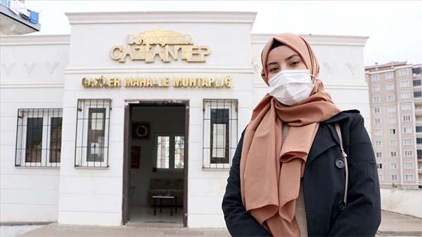 Üniversiteli genç kadın muhtarı mahalle sakinlerinin sorunlarına çözüm arıyor