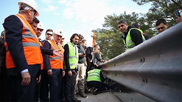 Motosikletçiler için yeni bariyer uygulamasına Antalya'dan start verildi