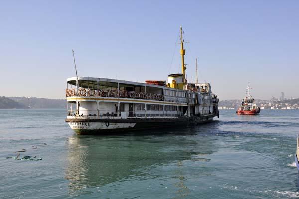 Tarihi Paşabahçe Vapuru yenilenmek için Haliç'e çekiliyor