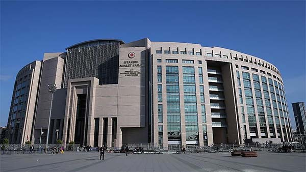 FETÖ'nün medya yapılanmasına yönelik davada 7 sanık hakim karşısında