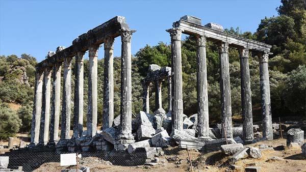Zeus Tapınağı yeni sütunlarıyla eski ihtişamına kavuşacak