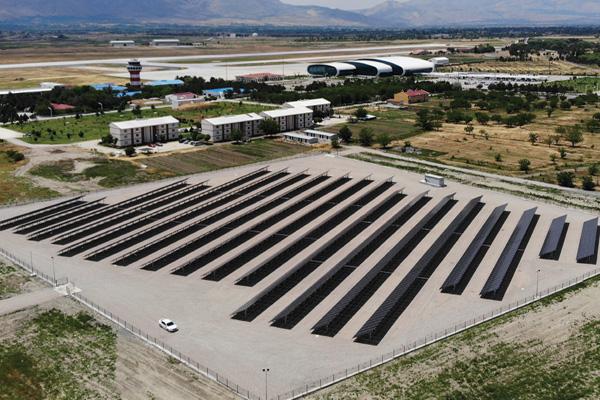 Erzincan Havalimanı'nın GES'i enerji üretimine başladı