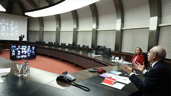 Kılıçdaroğlu kafe, eğlence sektörü temsilcileri ve işletme sahipleri ile görüştü
