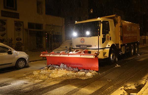 250 kişilik ekip kar nöbetine başladı