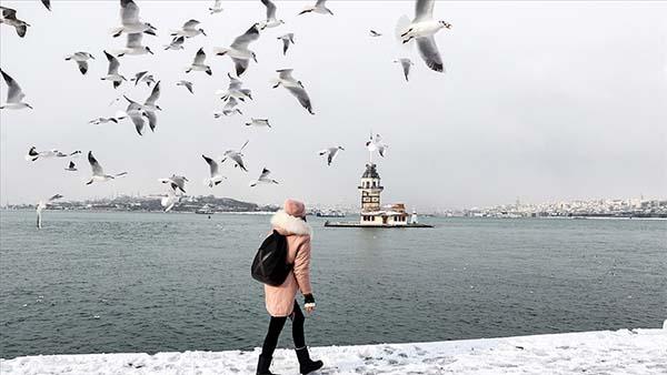 İstanbul'da kar yağışı güzel görüntüler oluşturdu