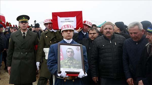 Şehit Sözleşmeli Er Fevzi Altınayak'ın naaşı Konya'da toprağa verildi