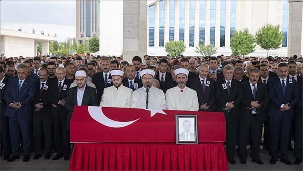 Erbil'de şehit düşen Türk diplomat Köse son yolculuğuna uğurlandı