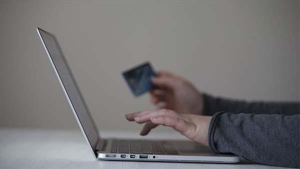 'e-ticaret, yılın ilk çeyreğinde yüzde 64 büyüdü'