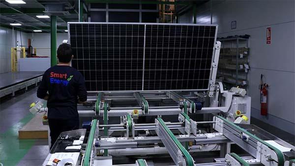 Güneşten aldıkları güçle ülke ekonomisine değer katıyorlar