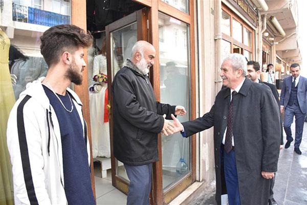 Mardin Artuklu Başkan adayı Tutaşı, esnaftan oy istedi