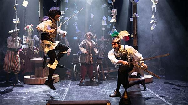 'Don Kişot'um Ben' 16 ay sonra yeniden tiyatroseverlerle buluşacak