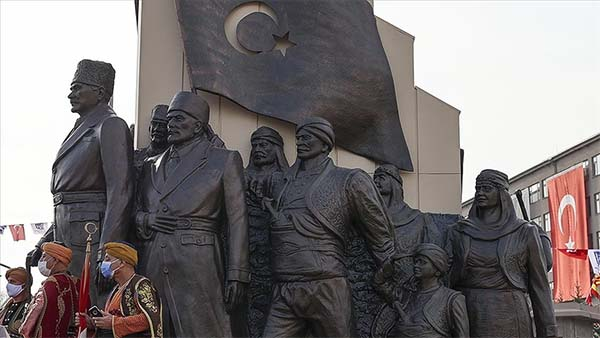 Atatürk'ün Ankara'ya gelişinin 101. yılı törenlerle kutlandı