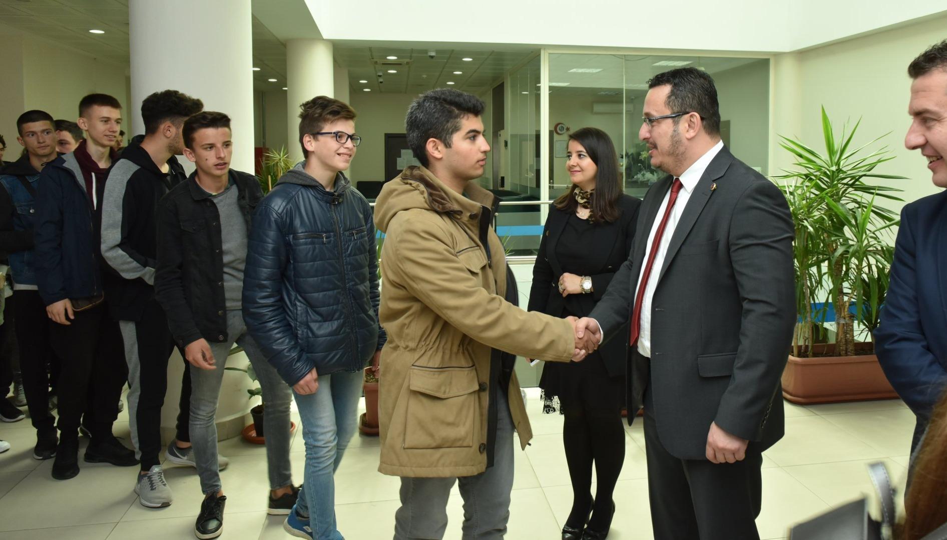 Kosovalı Öğrencilerden Kardeş Okul Ziyareti