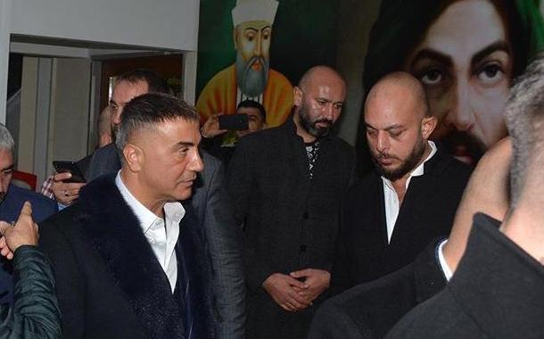 'Akademisyen kanında duş almak isteyen' Sedat Peker''in paylaşımına Beşiktaş Cemevi''nden yalanlama!