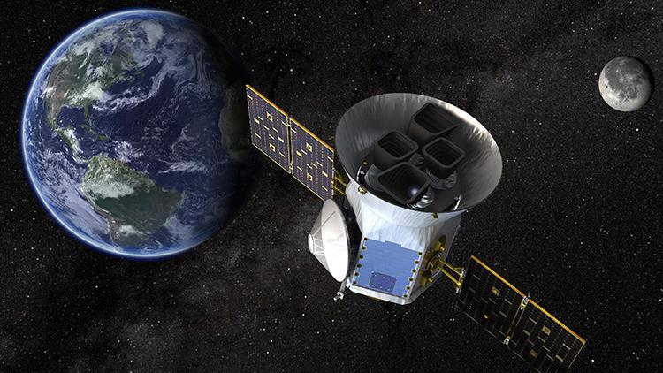 ''Gezegen Avcısı'', Dünya''dan 3 kat daha büyük gezegen buldu!