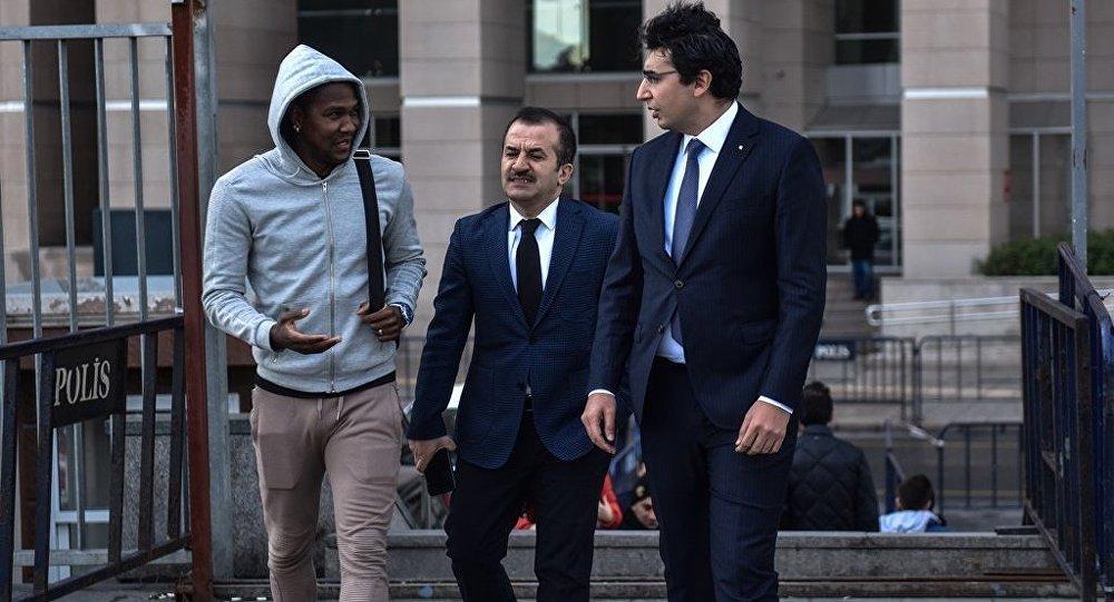 Trabzonsporlu futbolcu Rodallega''dan suç duyurusu
