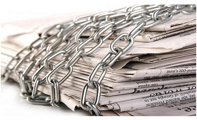 Türkiye''de basın özgürlüğü AKP ile geriliyor.... 2002''den bu yana 58 sıra geriledi!