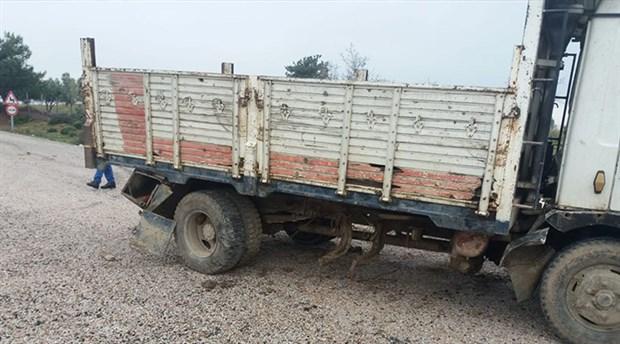 İşçi taşıyan kamyon kaza yaptı: 30 işçi yaralandı