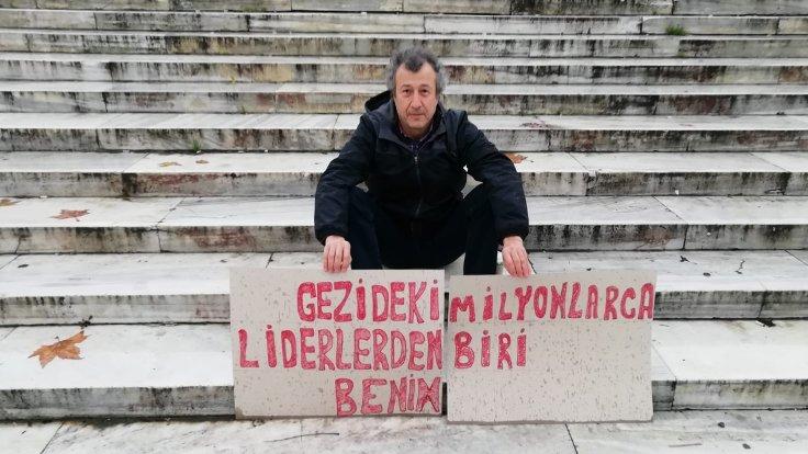 Taksim''de tek kişilik ''Gezi Parkı'' eylemi