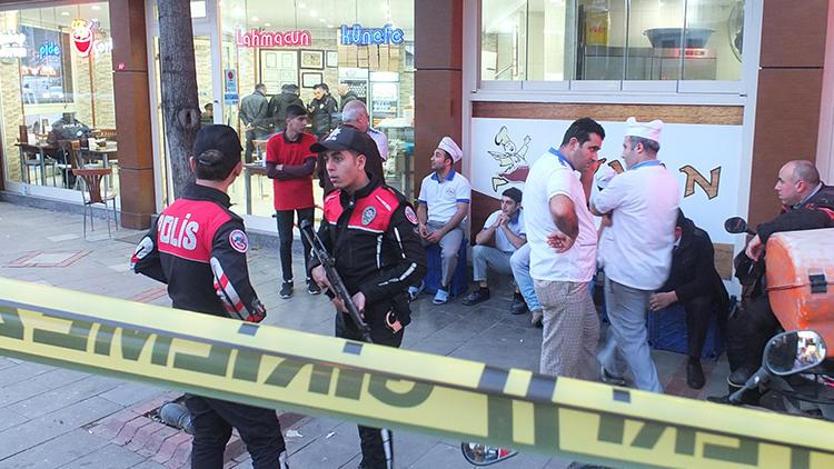 Kebapçıda silahlı saldırı: 1 ölü