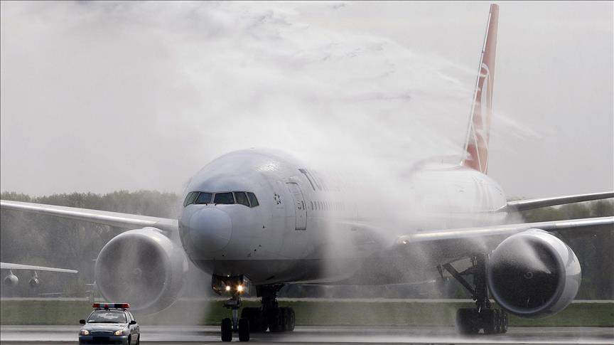 THY uçağı İstanbul''a geri dönmek zorunda kaldı