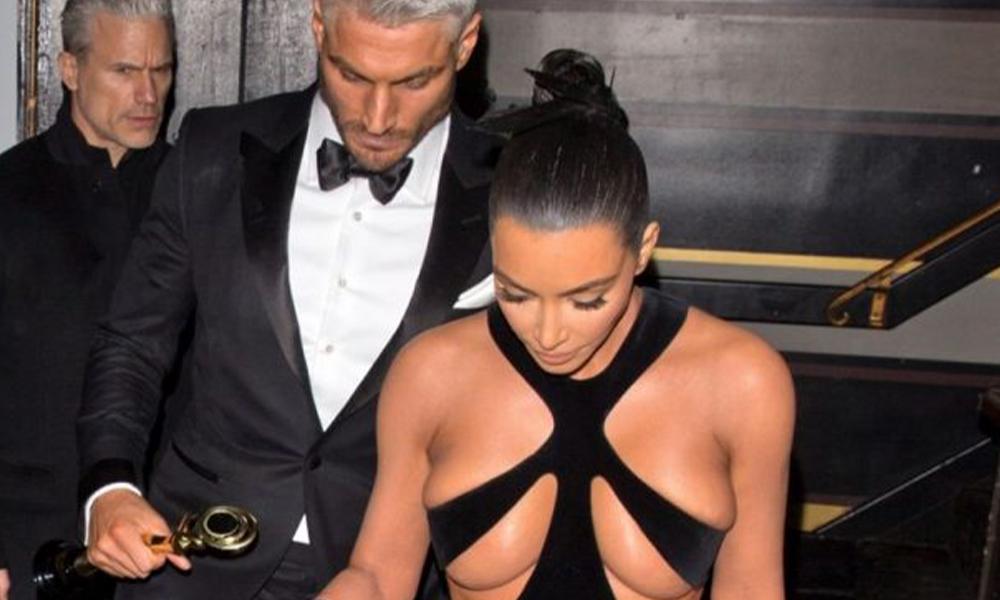 Kim Kardashian, kıyafetiyle geceye damga vurdu!