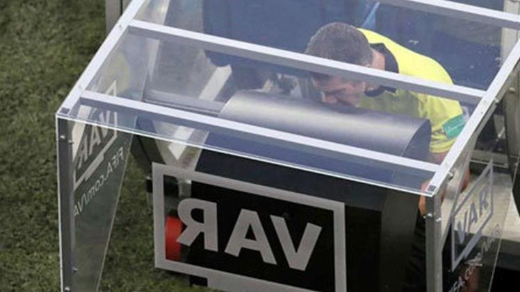 UEFA'dan VAR açıklaması: Rosetti tek tek anlattı