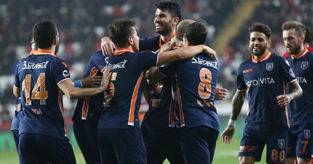 Hakem VAR'a gitmedi, penaltı verilmedi! Başakşehir'i kim kolluyor?