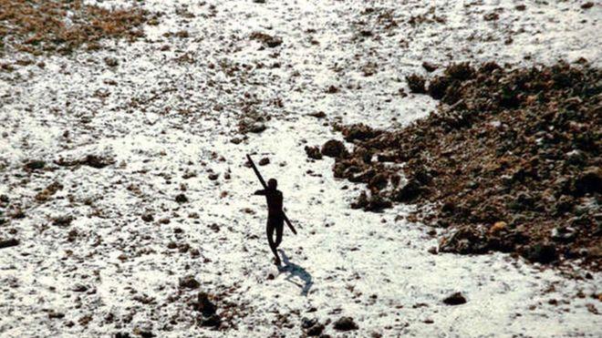 ''ABD''li misyoner'', yerli kabile tarafından ok ve yay ile öldürüldü