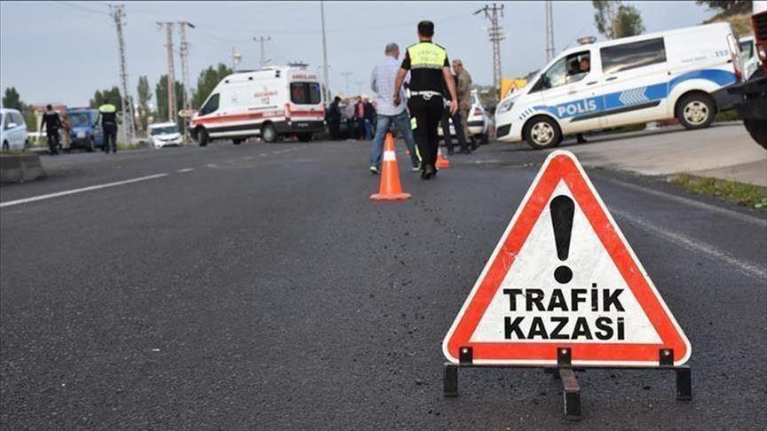 Çatalca'da minibüs kazası: 23 yaralı