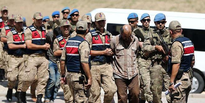 Zeytin Dalı Harekatı sırasında 2 askerin şehit edilmesi olayına karışan 9 YPG/PKK'lı terörist, tutuklanma talebiyle nöbetçi hakimliğe sevk edildi.