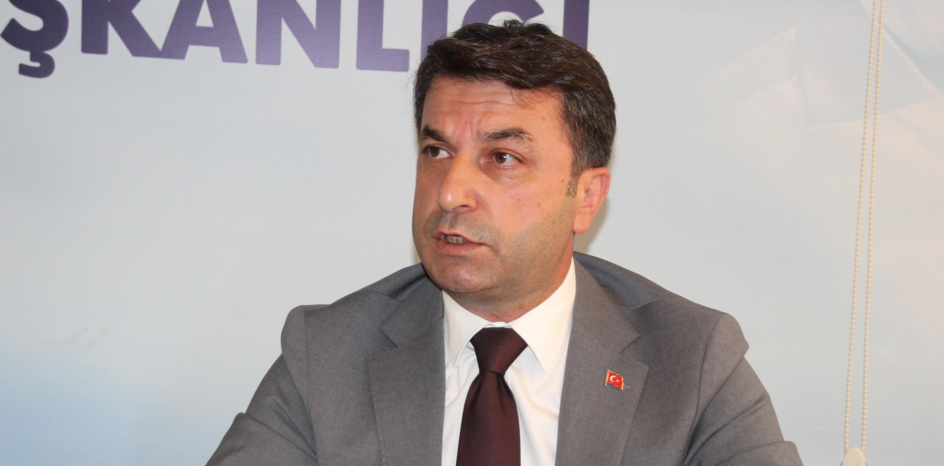 """""""BİR ÖZÜR BEKLİYORUM"""""""