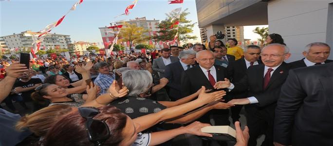 Turgut Özal Kültür Merkezi'ne Görkemli Açılış