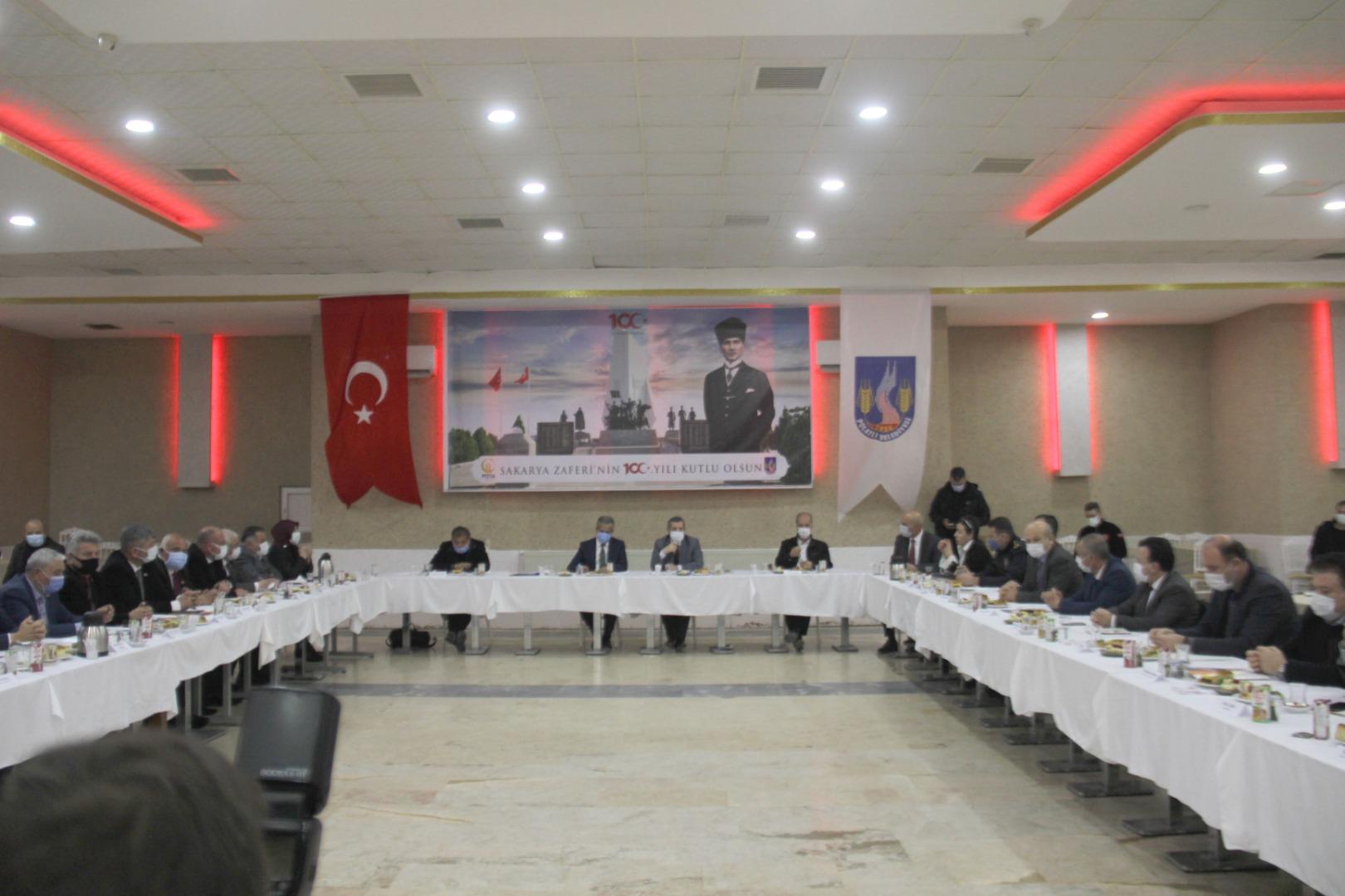 """""""POLATLI TOPYEKÜN TAŞIN ALTINA ELİNE KOYSUN"""""""