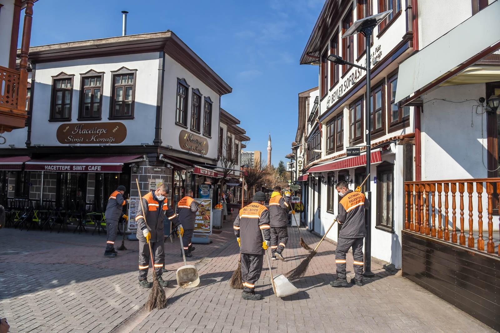 Altındağ Belediyesi'nden Hamamönü'nde temizlik çalışması