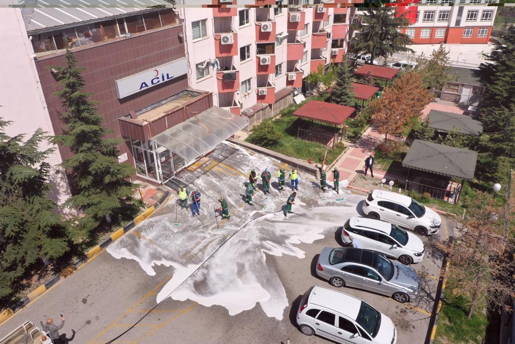 Hastanelerin temizlik çalışmaları devam ediyor