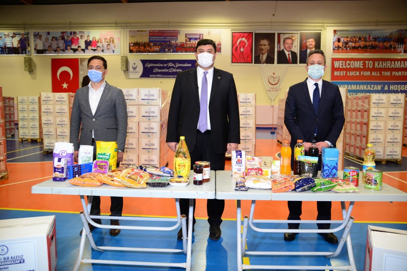 Kahramankazan'da gıda kolisi dağıtımları devam ediyor