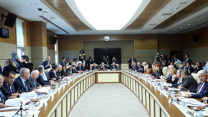 Sağlıkla ilgili düzenlemeler içeren teklif, komisyonda kabul edildi