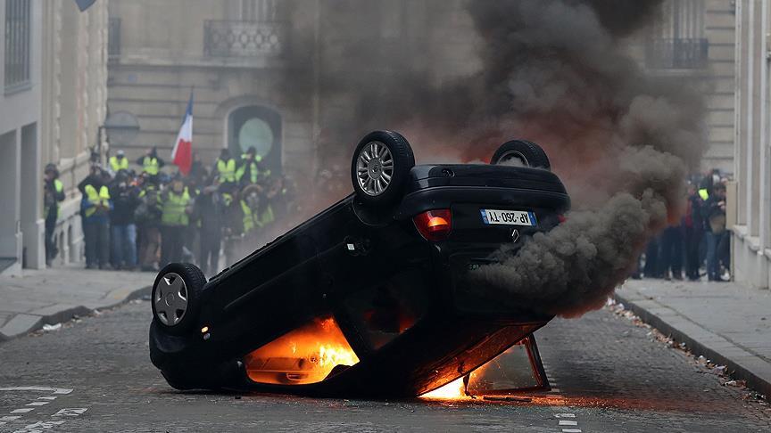 Fransa'da protestoların bilançosu ağır oldu