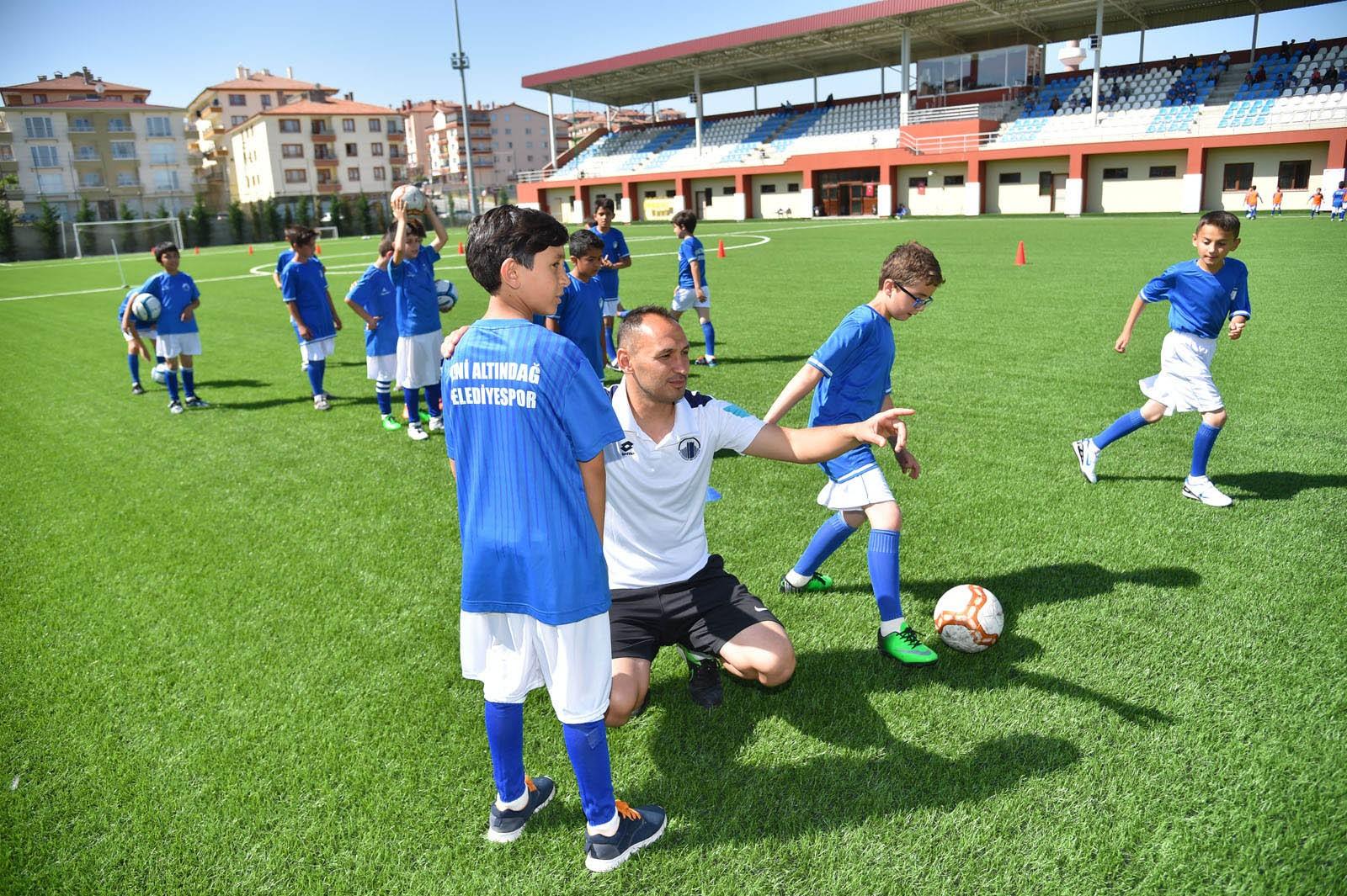 Yaz futbol okulları kayıtları başladı