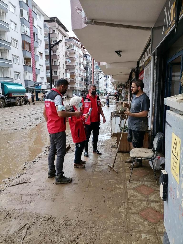 Aile ve Sosyal Hizmetler Bakanlığından Rize ve Artvin'deki selzedelere psikososyal destek hizmeti