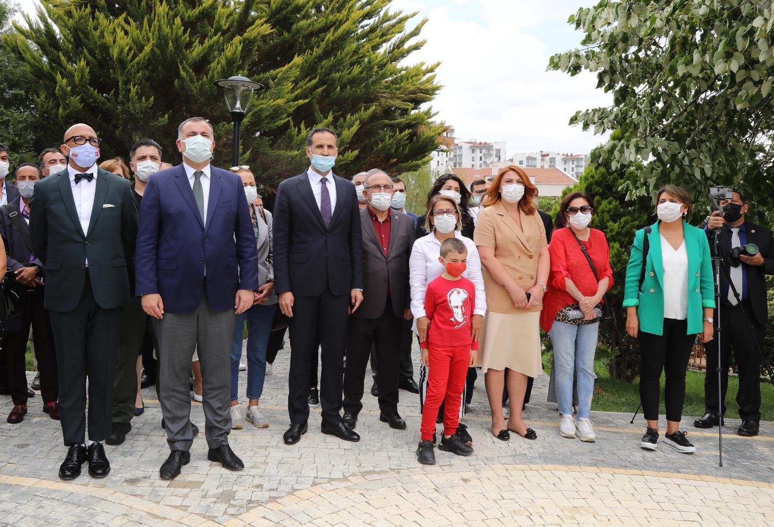 Simon Bolivar Parkı yenilendi
