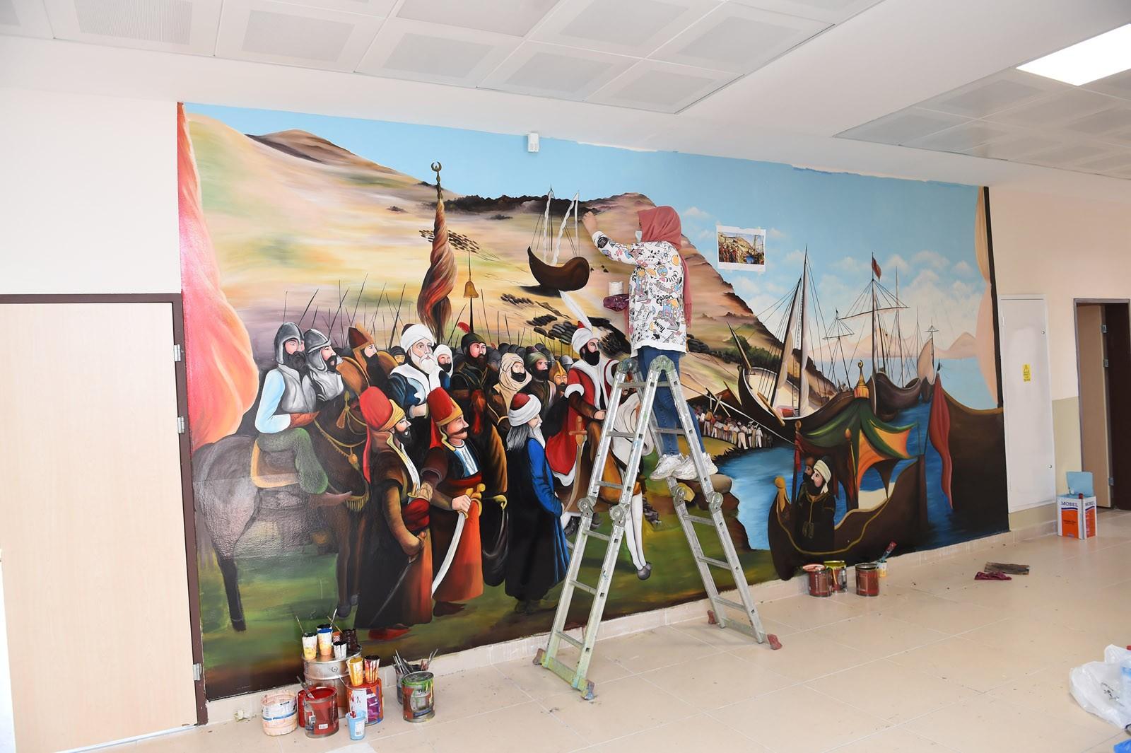 Okul duvarları tabloya dönüşüyor