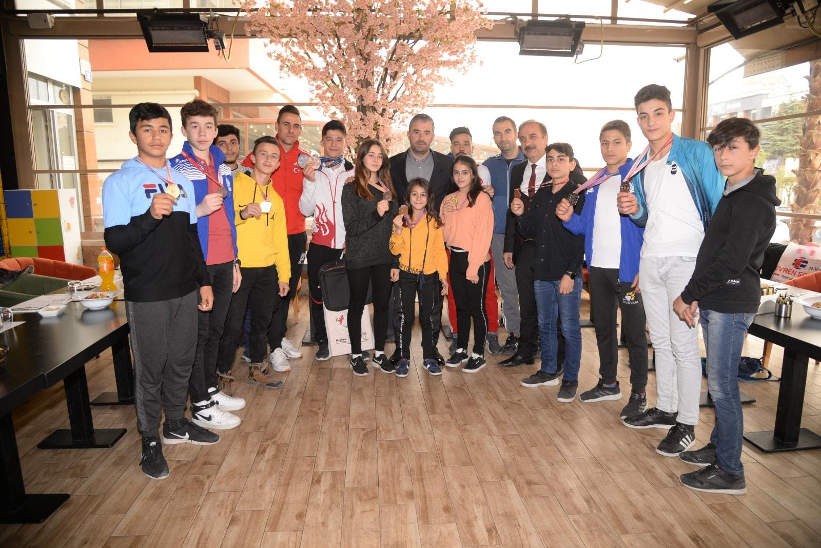 Pursaklar'da genç sporcuların başarısı